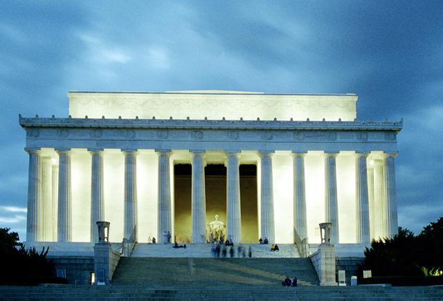 [Image: Lincoln_Memorial%203.jpg]